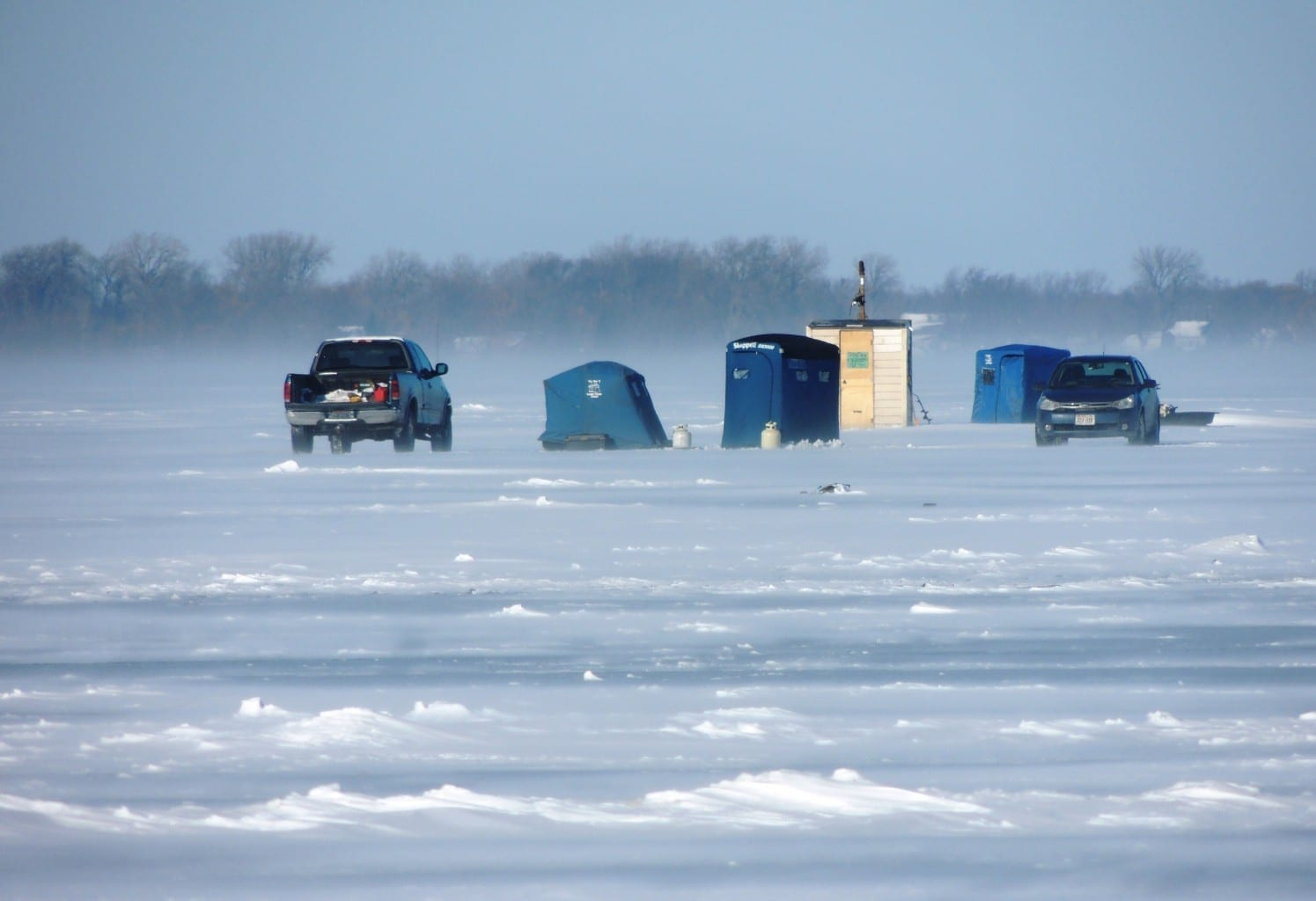 Lake winnebago and lake poygan fishing and ice report 12 for Lake erie ice fishing
